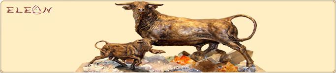 Статуетки от бронз и полускъпоценни камъни
