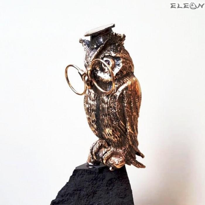 Бронзова скулптура БУХАЛ върху постамент от черен гранит - IK310, 22см