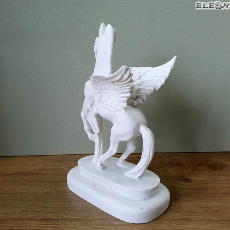 Статуетка ПЕГАС от алабастър
