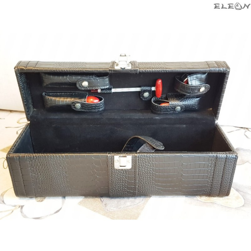 Стилна кожена кутия за вино с дръжка и 5бр аксесоари декорирани с дърво - цвят черен