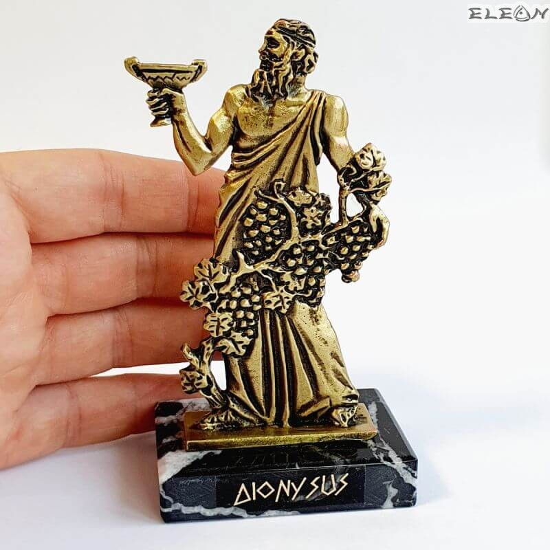 Статуетка на Дионис