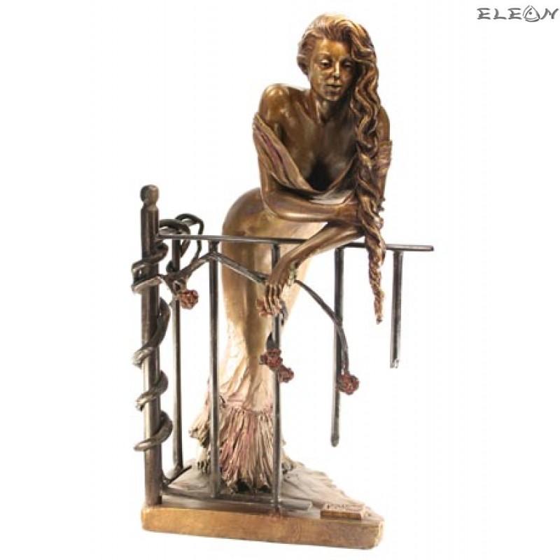 статуетка ЖЕНА на балкон изработена изцяло от бронз