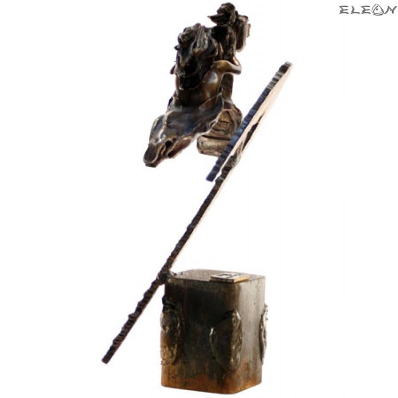статуетка УСТРЕМ - жена яздеща кон