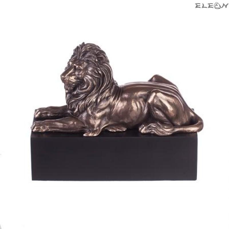 Статуетка Лъв на постамент