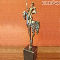 Месингова статуетка, ръчно изработена върху мраморен постамент - ДОН КИХОТ 36см - SH118