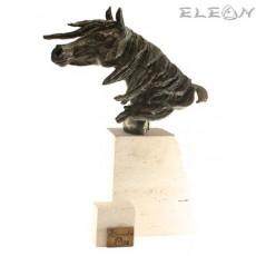 Скулптура КОН изработена от бронз и основа от травертин - 371178