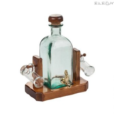подарък Стъклена Бутилка за алкохол с канелка, 2 чашки, на дървена поставка