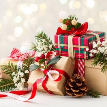 Коледните подаръци или изкуството да даряваме усмивки
